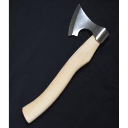 Viking økse med asketræ skæfte