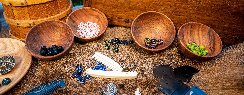Viking perler i glas og ædel metal